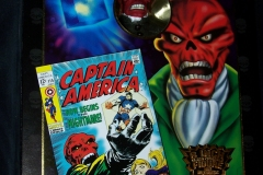 Famous Covers Red Skull
