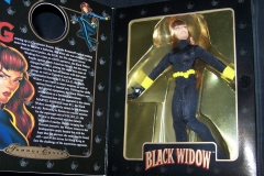 Famous Covers Black Widow (2)